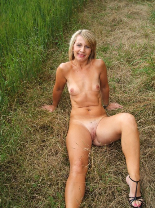 SuperClassWomen Club » Amateur In Action