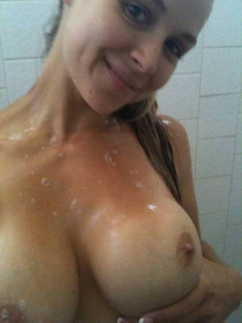 Big tits amateur wet in the shower.; Amateur Babe Big Tits Hot