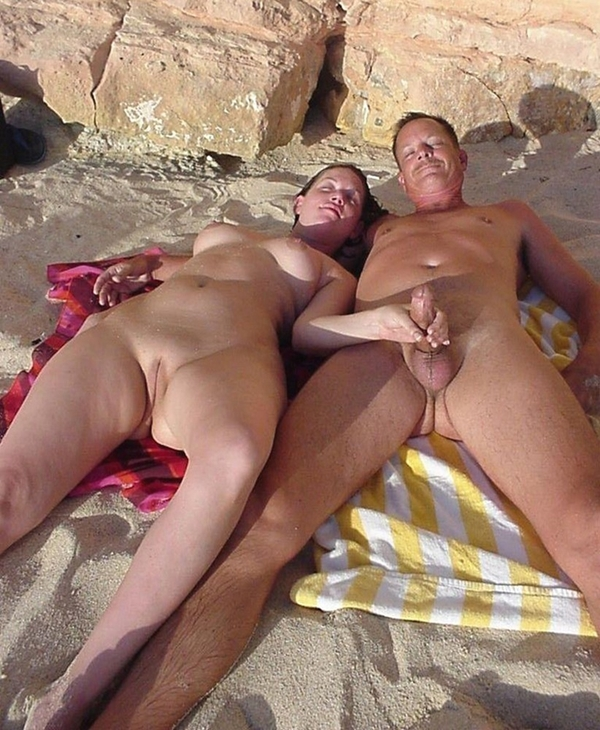 Girls fucks on nude beach