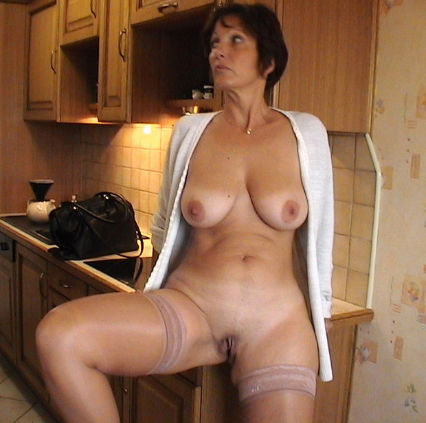 mature housewife topless Amateur