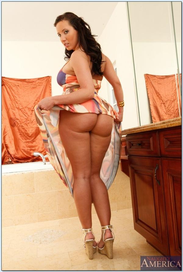 Kelly divine big ass