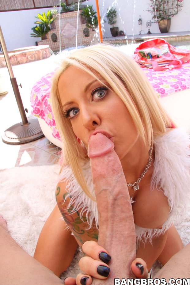 Big cock blowjob blonde