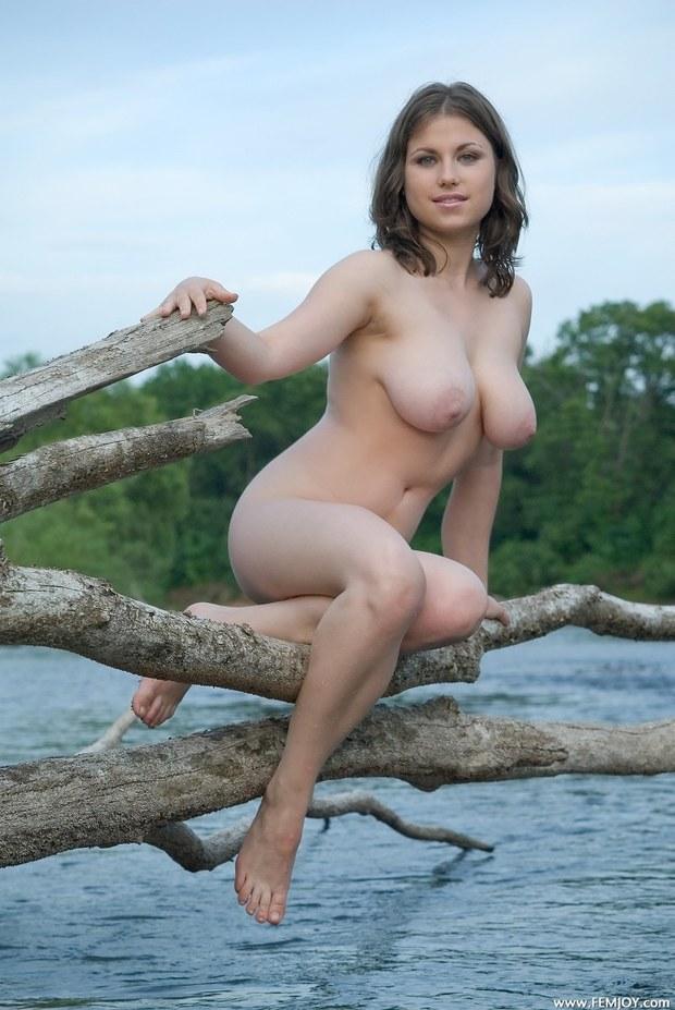 ...; Babe Big Tits Brunette Foot Hot