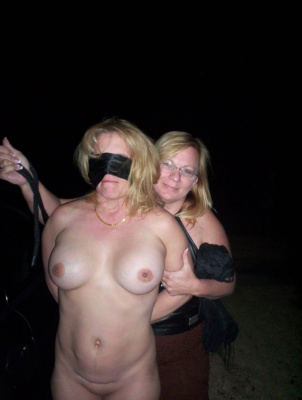 Blindfold wife to fuck friend