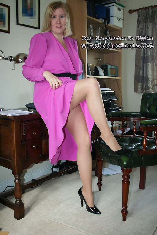 secretary in pantyhose » Amateur In Action