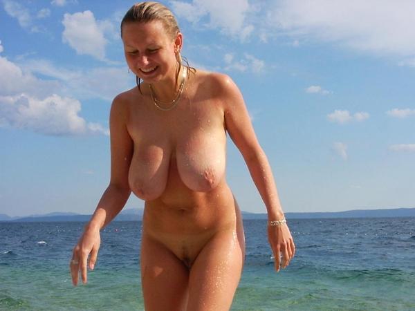 pornstars fucking at the beach