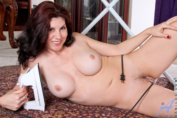 Amateur BBW Big Tits Brunette Hairy Mature MILF Pussy
