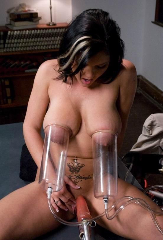 порнофото груди с молоком