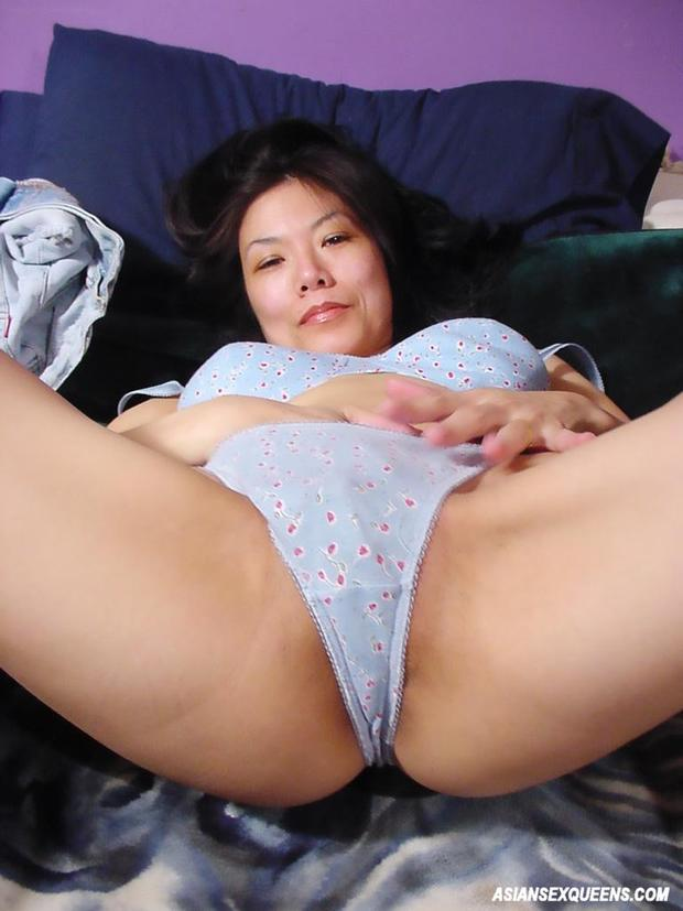 nude Asian panties model non