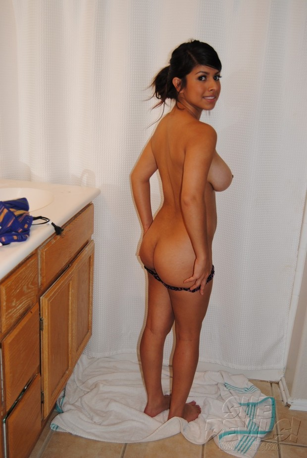 latin girls nude in mirror