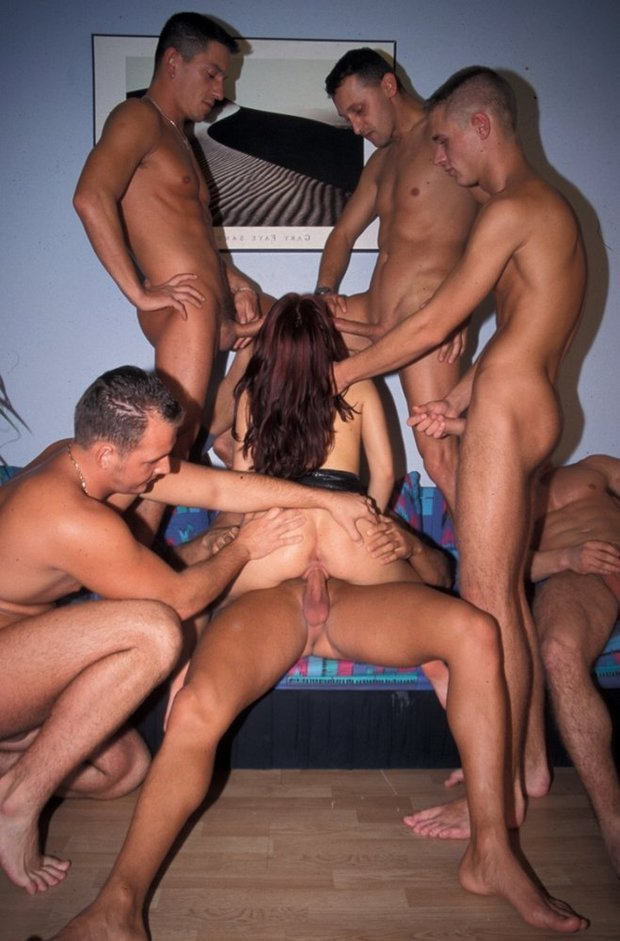 gang bang amateur in action page 4