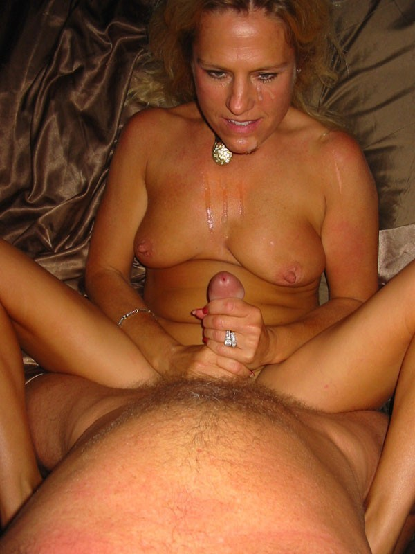 amateur cum mature shot