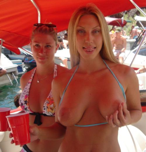 ...; Amateur Big Tits Blonde Flashing
