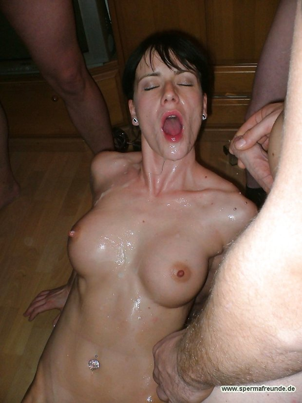 Hot babe handjob