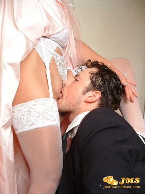 Możesz teraz pocałować pannę młodą...; Cunnilingus